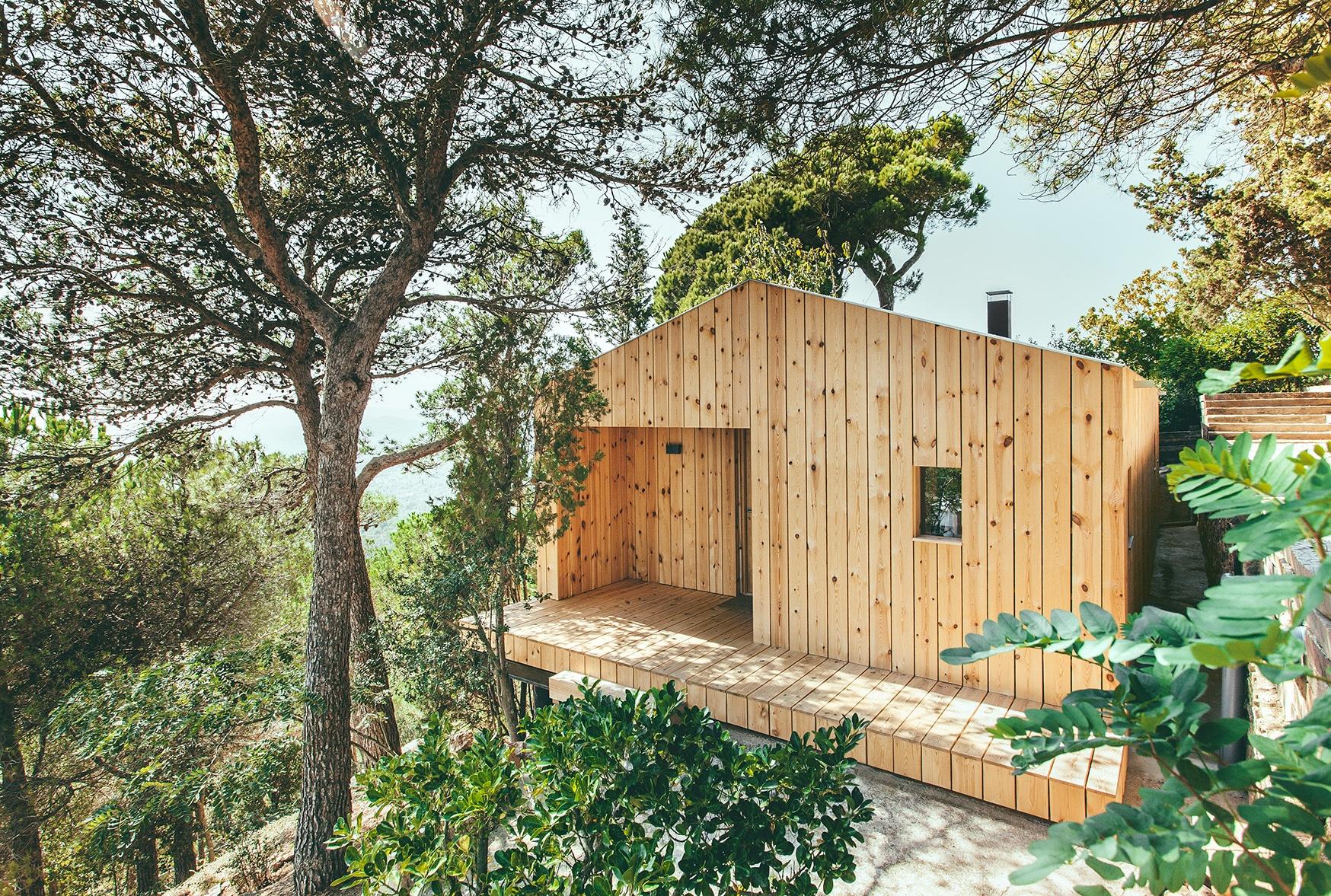 Casa prefabricada convence por su sostenibilidad mediante eficiencia energetica la casa de madera