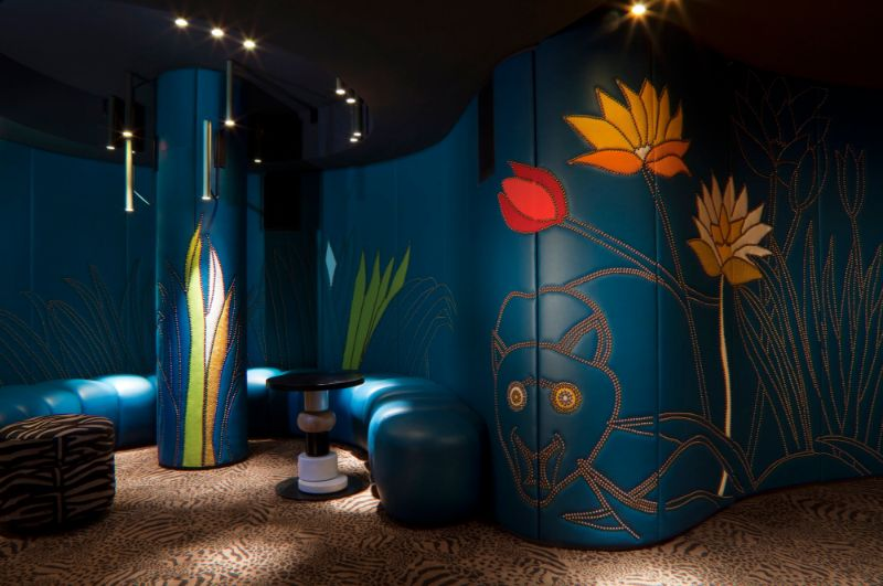India Mahdavi's Most Flamboyant and Artsy Restaurant Design india mahdavi India Mahdavi's Most Flamboyant and Artsy Restaurant Design Mahdavis Most Flamboyant and Artsy Restaurant Design 12