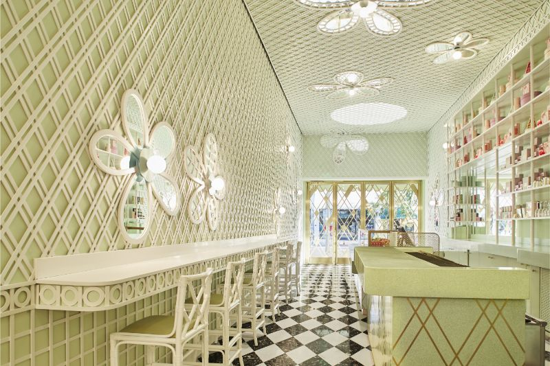 India Mahdavi's Most Flamboyant and Artsy Restaurant Design india mahdavi India Mahdavi's Most Flamboyant and Artsy Restaurant Design Mahdavis Most Flamboyant and Artsy Restaurant Design 6