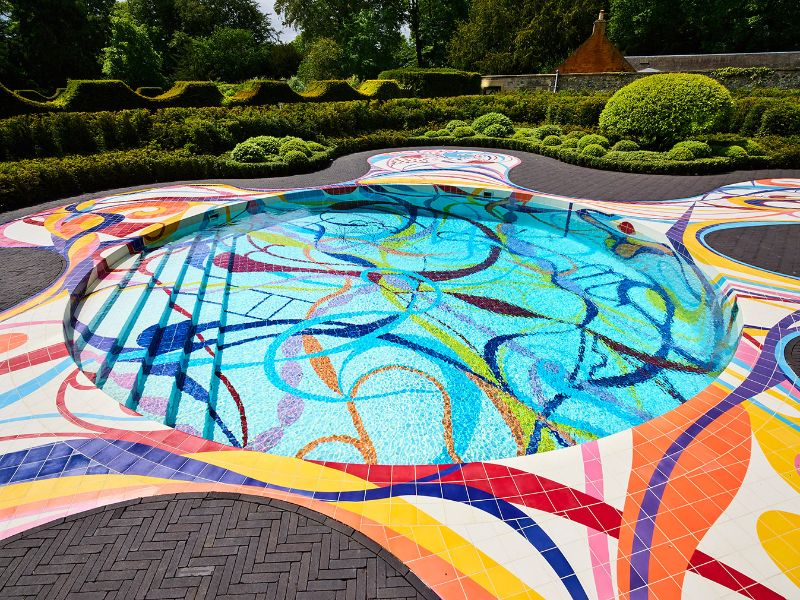 Modern Art By The Poolside: Colorful Summer Ideas To Get Refreshed   Modern Art By The Poolside Colorful Summer Ideas To Get Refreshed 3
