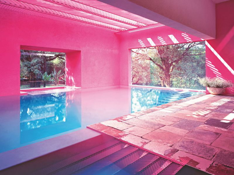 Dive Into Modern Art By The Pool: Summer Ideas To Get You Refreshed