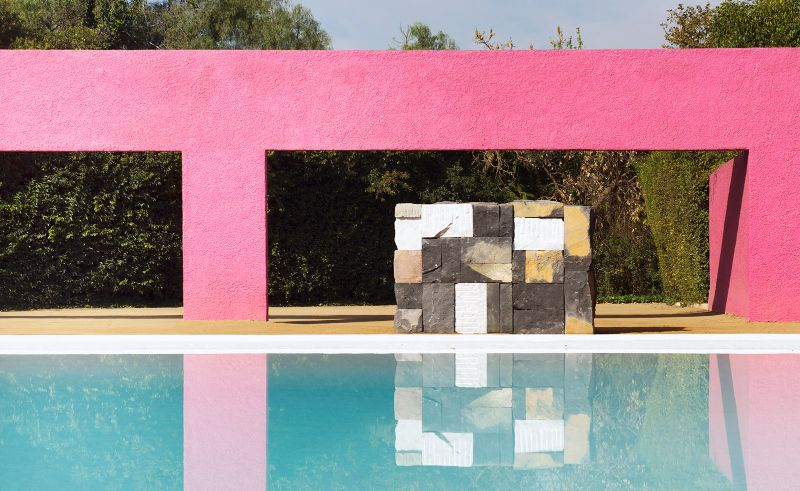 Modern Art By The Poolside: Colorful Summer Ideas To Get Refreshed   Modern Art By The Poolside Colorful Summer Ideas To Get Refreshed 6