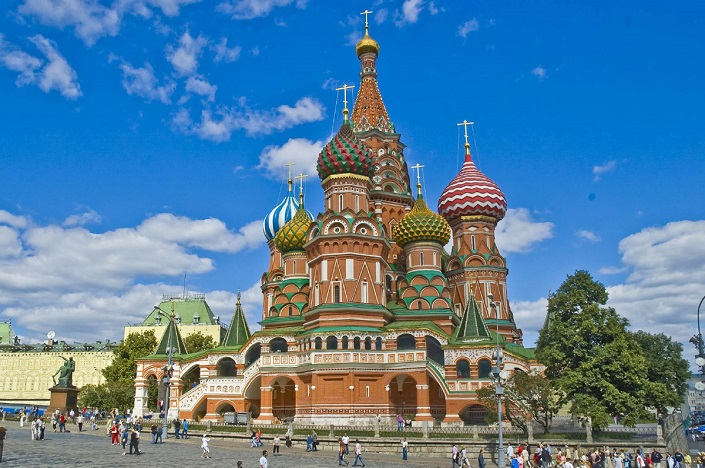 Iconic Buildings, See Before you Die, best design events, buckingham palace, burj khalifa, city guide, colosseum, empire state building   20 most famous and iconic buildings to see before you die 05 st basils cathedral moscow