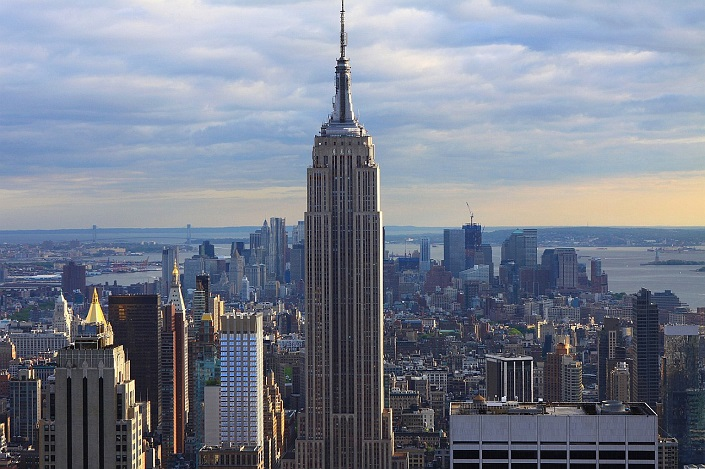 Iconic Buildings, See Before you Die, best design events, buckingham palace, burj khalifa, city guide, colosseum, empire state building   20 most famous and iconic buildings to see before you die 06 empire state building