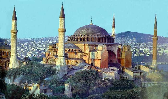Iconic Buildings, See Before you Die, best design events, buckingham palace, burj khalifa, city guide, colosseum, empire state building   20 most famous and iconic buildings to see before you die 13 hagia sophia istambul