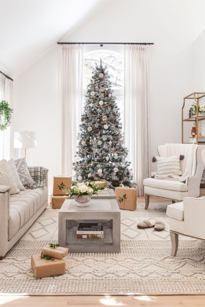 The Jolliest Interior Design Ideas For A Splendid Holidays Season   The Jolliest Interior Design Ideas For A Splendid Holidays Season 4 683x1024