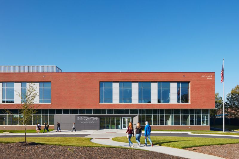 10 Exciting Architectural Buildings From Clark Nexsen   Innovative High Schools 008 1920x1280 1
