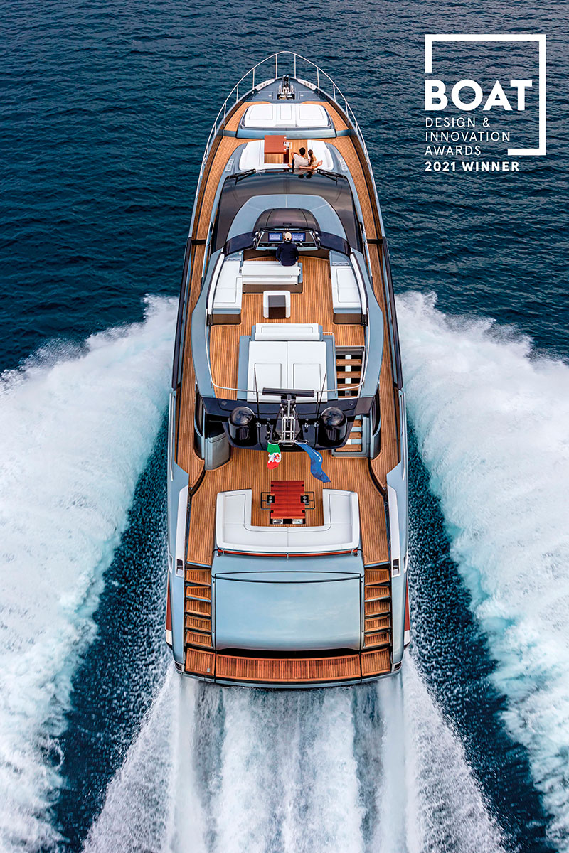 """Riva 88' Folgore wins in the """"Best New Series"""" category and Pershing 140 Touch Me in """"Best Naval Architecture"""""""